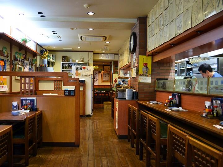 Nakayoshi interior